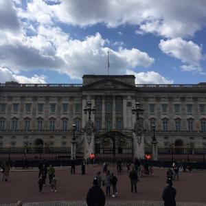 バッキンガム宮殿にも寄り道