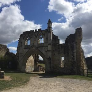 おとなの遠足、修道院跡の遺跡へ!