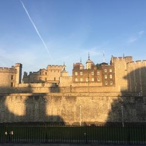 中世の有名人ヘンリー君のロンドン塔と、落ちないタワーブリッジ♪