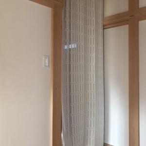 【冬の寒さ対策】廊下に冷気遮断カーテンを設置♪暖気が逃げず効果抜群!
