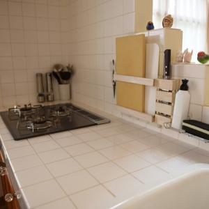 【浮かせるキッチン収納】スポンジラックを改善。食器洗い洗剤も浮かせて作業スペースを広くする!
