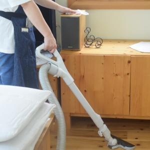 掃除は両手で!と自宅でヨガ教室♪