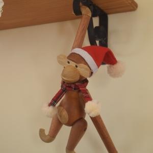 【手作りであったかクリスマス】カイ・ボイスン モンキーにサンタ帽とマフラーを作る✨
