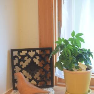 【ナチュラルキッチン&】木製雑貨を楽しむ♪鳥の置物と木彫りのレリーフ