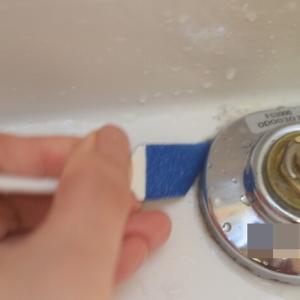 【ダイソー】洗面台の頑固な汚れを水だけで落とす「洗面台用クリーナー」が優秀♪