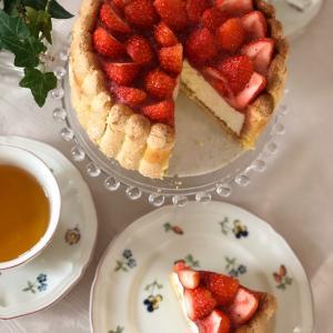 [募集]イチゴとレアチーズのシャルロットケーキ