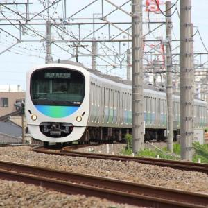 西武新宿線と自衛隊機