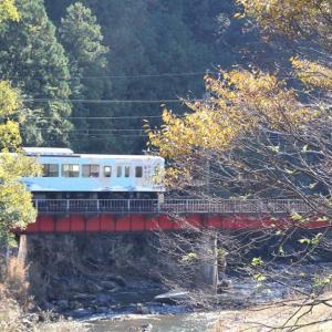 52席の至福号高麗川渡る