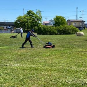 『町内ハスカップ公園の草刈り‼️』