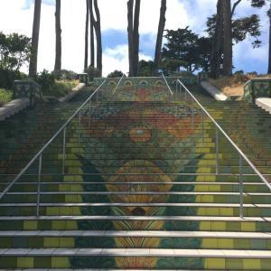 インスタ映えするオシャレな階段を上って散歩♪