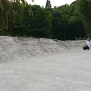 バカにしか乗れないスケートボード