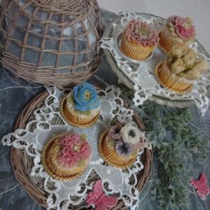 和のフラワーカップケーキ