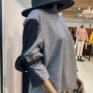 大阪展示会で冬物ニットやコートなどを発注してきました♪
