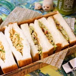 「母の味炒り玉子サンド&ヘルシーキャベ玉サンド」deゆーたんの軽食