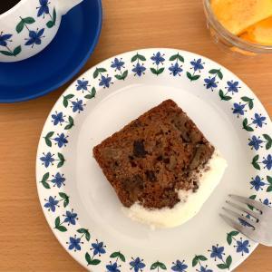 グルテンフリーのキャロットケーキで朝ごはん