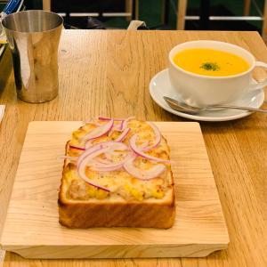 トーストメニューが豊富になった俺のベーカリー&カフェでおひとりごはん