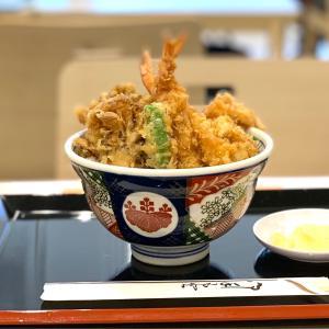 半熟卵の天ぷらがウレシイ金子半之助Mのお手軽天丼