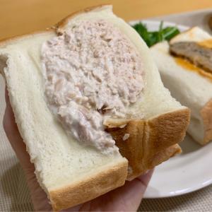 驚くほどにボリューミー!ふわふわ食パンのビッグサイズサンドイッチ