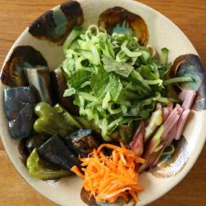胡瓜と大葉とハムの冷やし中華