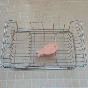 食器カゴはお風呂場で洗う