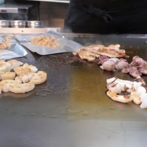 五右衛門東広島店でお好み焼き 辛麺
