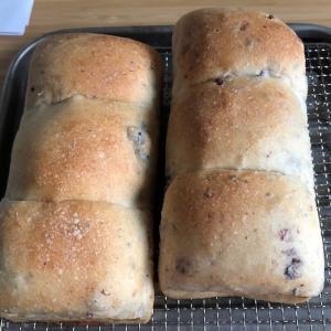 蒸し黒豆入りプチ山食パン