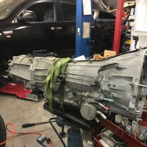 トラスティー今日の出来事  -07y トヨタ タンドラ エンジン 異音 修理。-