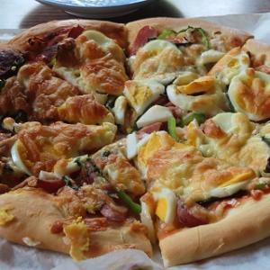 バジルが伸びたからピザにしよう!