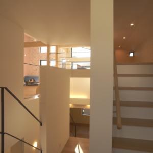 ロフトの階段…ハシゴ、固定階段?どっちが良い?固定階段のメリットとデメリット