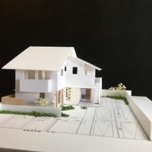 ~愛する猫達と自然を感じながら暮らしを楽しむ~『天空の眺めに癒される兼用住宅』の模型をホームページに記載しました
