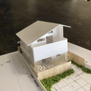 ~家での時間が豊かに広がる~『2階ピットリビングのある家』の模型をホームページに記載しました