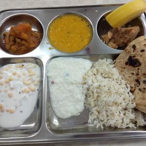 インド コミュニティの食事