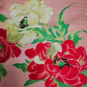 古典キュートな牡丹・菊・梅柄小紋と二色の牡丹の京袋帯