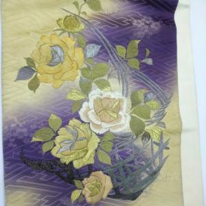 おさんぽきもの中目黒販売予定商品・大人ロマンな刺繍入りの暈し地訪問着、ムーディな薔薇の刺繍袋帯