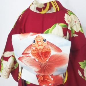 百合・菖蒲・朝顔の赤い絽小紋と金魚の絽名古屋帯