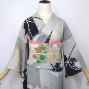 ツワブキと赤とんぼの紋紗単衣に牡丹と秋草の絽名古屋帯