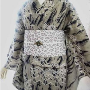 単衣としても着用可なクールな絞り浴衣コーデ