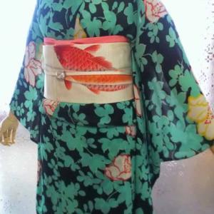 芙蓉と朝顔のジョーゼット小紋に鯉の刺繍入り絽名古屋帯
