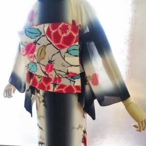 手描きのアザミジョーゼットと蔓バラの絽袋帯