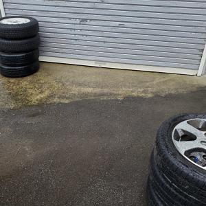 タイヤ交換! あるのを並べてみた!(笑)