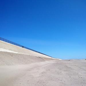 全国最大規模の防潮堤を少し散歩
