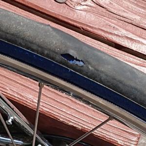 PRO4のタイヤ剥離