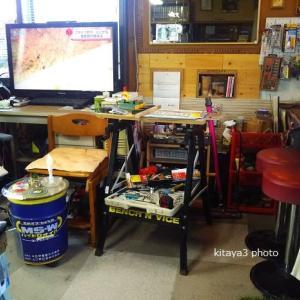 スノーボードの上と折りたたみ作業台の有効利用