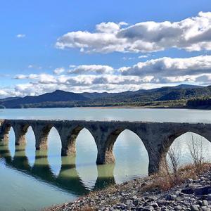 タウシュベツ川橋梁のはずがただの湖