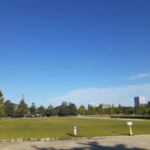 朝の城山公園と加藤義明