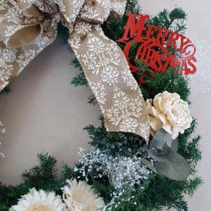 クリスマスも!正月も!通年飾れる欲張りリース