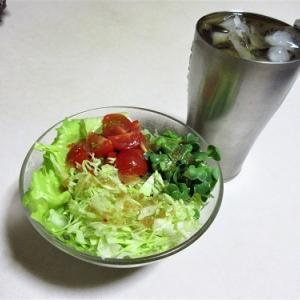 ベーコンエッグとお惣菜ポテサラで晩酌&暑さに弱く・・・