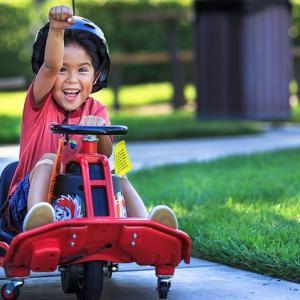 """ドリフト運転ができるゴーカートに大人用モデル""""Razor Crazy Cart XL""""が追加発売決定!"""