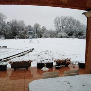 【南仏で雪】