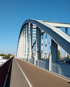 遠すぎた橋 A Bridge Too Far